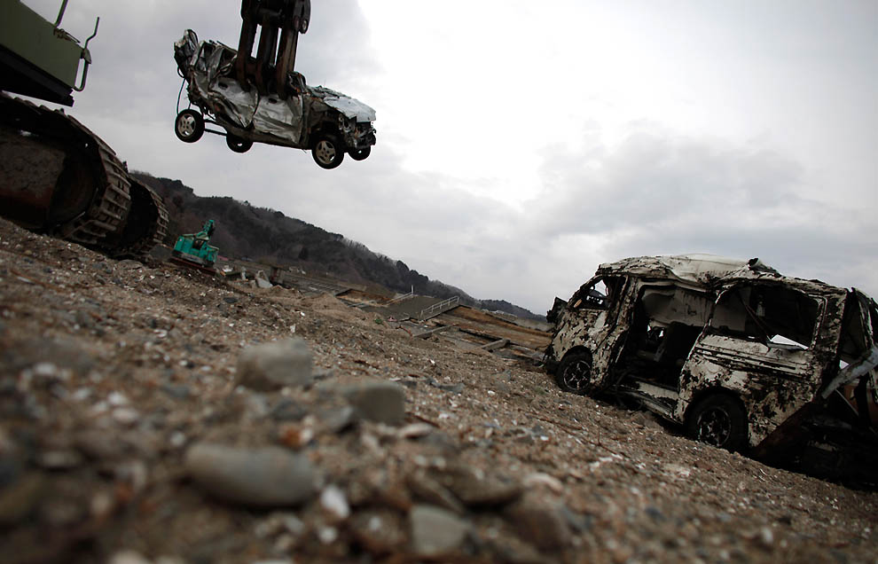 j11 RTR2KDL1 Япония: через две недели после землетрясения