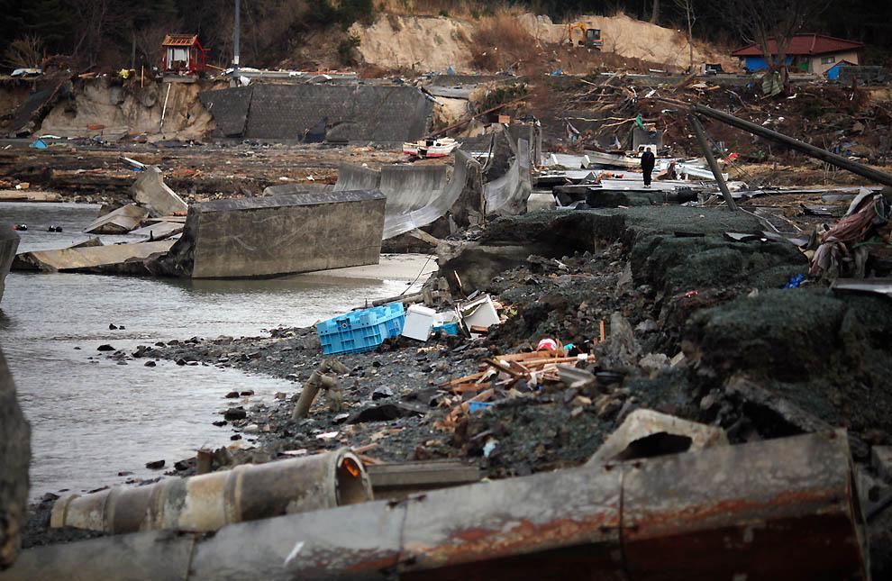 j33 RTR2K8M8 Япония: через две недели после землетрясения