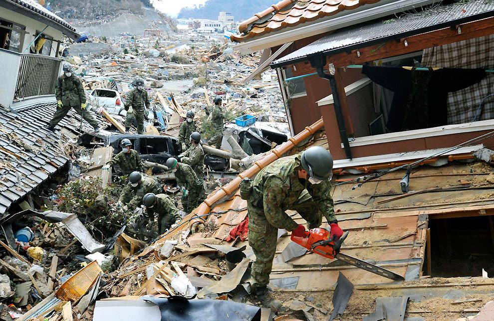 j42 RTR2KD3J Япония: через две недели после землетрясения