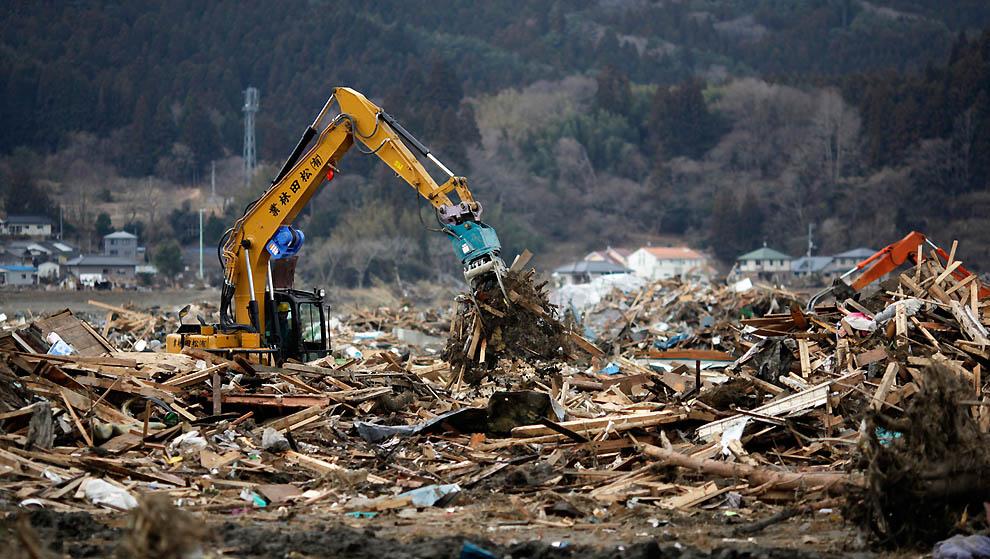 j45 RTR2K8W1 Япония: через две недели после землетрясения