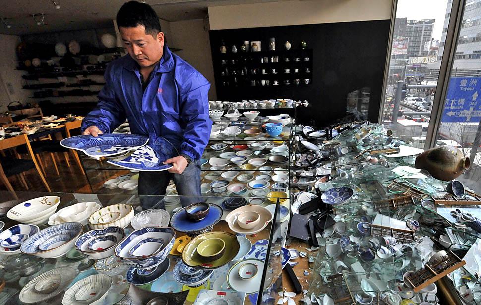 japan quake20 lhw0a9nc Землетрясение в Японии   сильнейшее в истории страны (ОБНОВЛЕНО!)