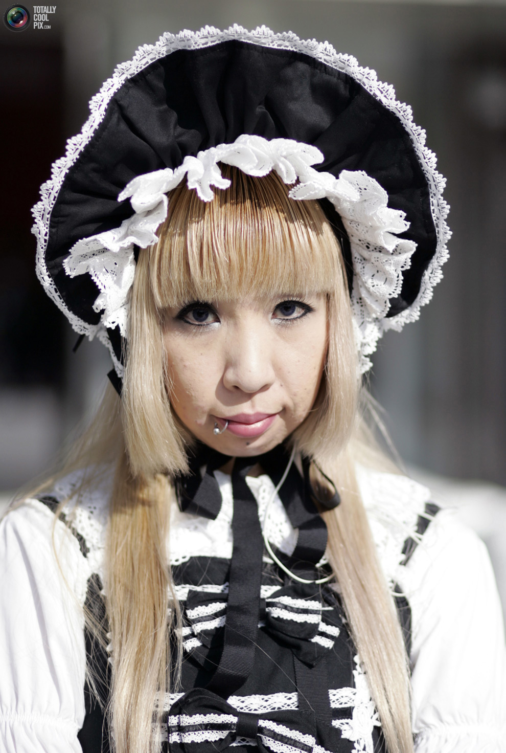 """Мода в стиле  """"Лолита """" - японская субкультура, основанная на стиле времён..."""