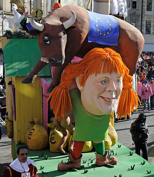 merkel bull 1842500i Политическая сатира на немецких карнавалах (Часть 2)