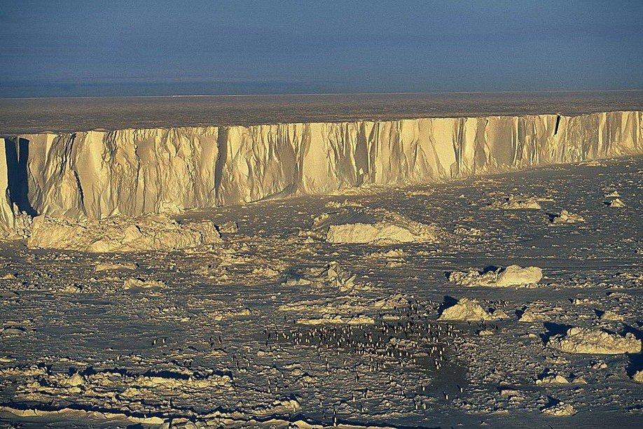 1086 Легендарный фотопроект «Земля, увиденная снеба»