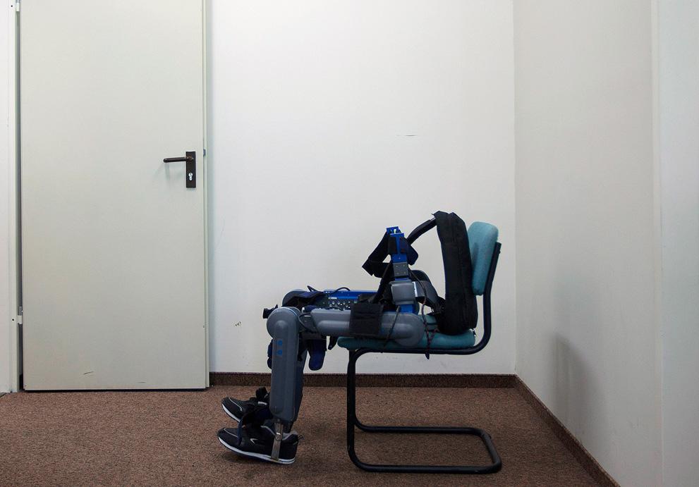 Роботы за работой и на отдыхе