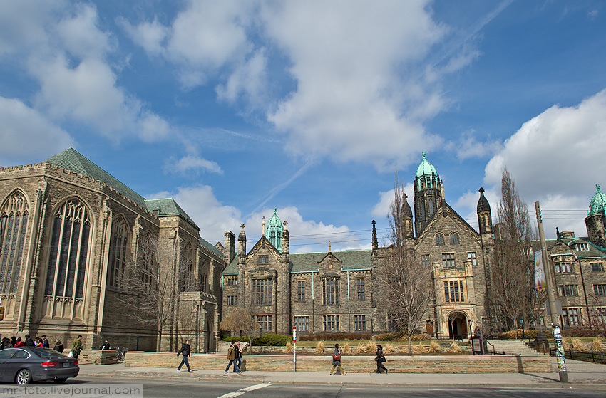 Торонтский университет. Часть 1. История, архитектура и система образования.