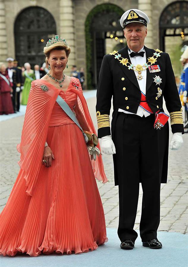 Diundang ke pernikahan kerajaan