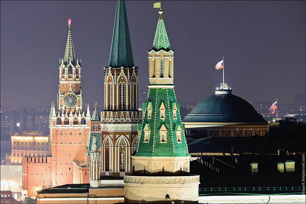 Арсенальная башня, Никольская, Спасская и Сенат