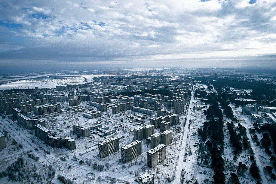 4223 Легендарный фотопроект «Земля, увиденная снеба»