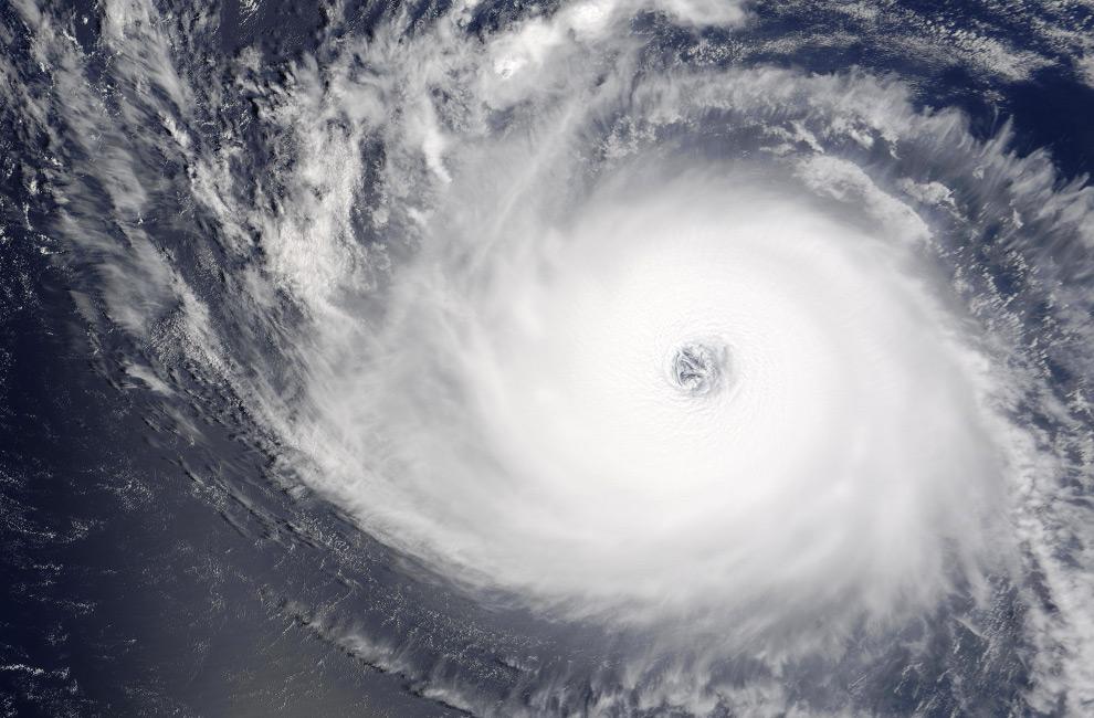 Ураганы – вид из космоса