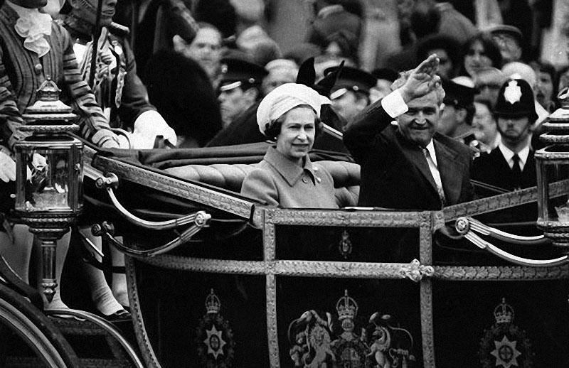 queen19 Королева Елизавета II отметила свое 85 летие