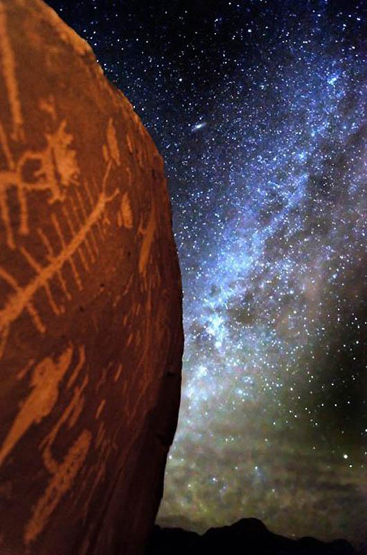 Млечный путь над пустыней