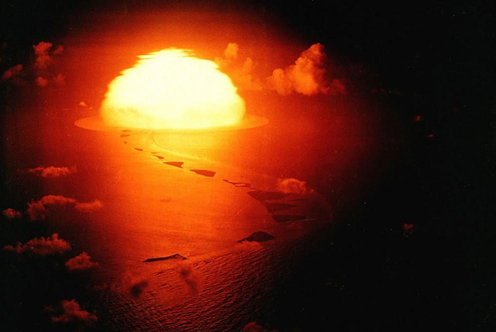 1232 990x663 Испытания ядерного оружия