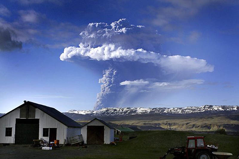 The Grimsvotn volcano eruption in Iceland causes flight delays as the ash cloud spreads