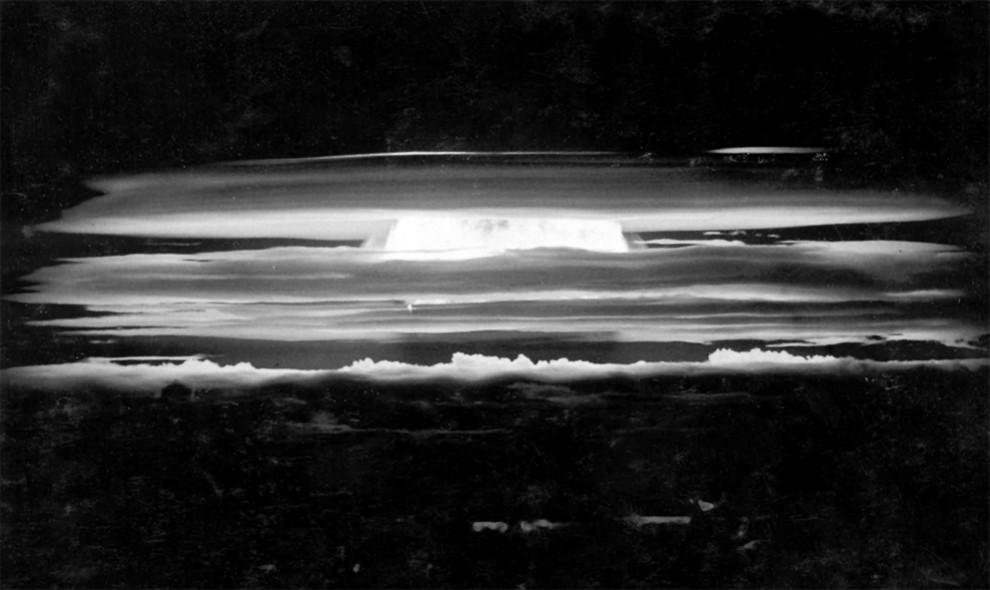 2126 990x590 Испытания ядерного оружия