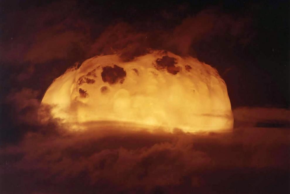 2917 990x663 Испытания ядерного оружия