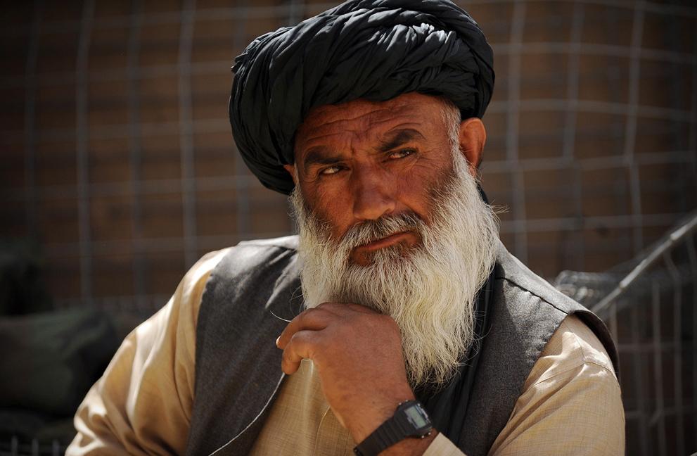 Afghanistan pada bulan April 2011: adegan dari kehidupan