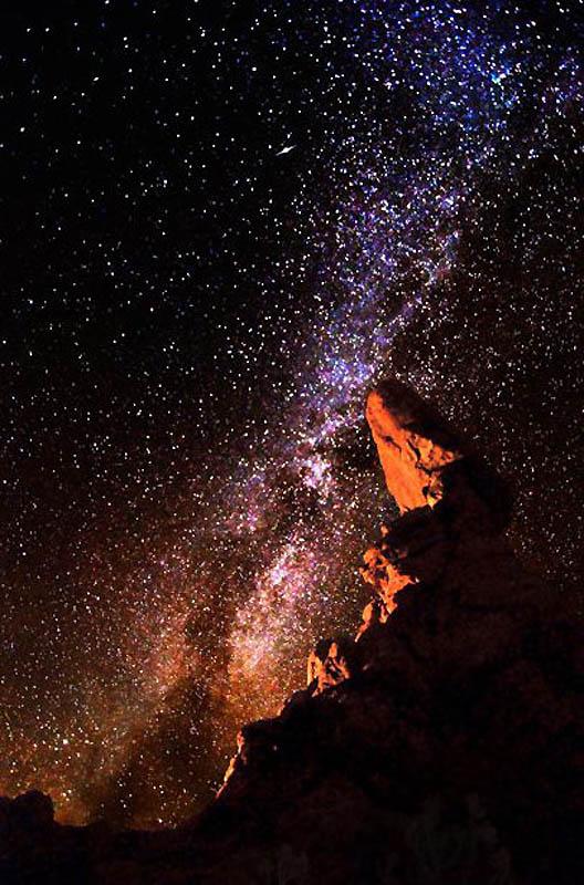Млечный путь над пустынейМлечный путь над пустыней