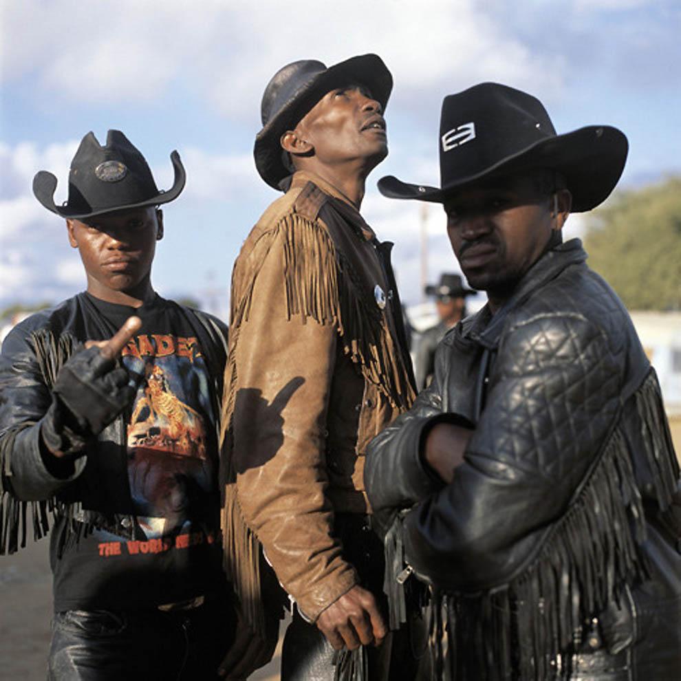 76 TRUE BLACK METAL из Ботсваны