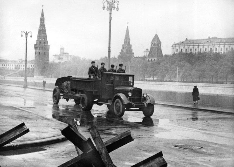 1941 год в черно белых фотографиях