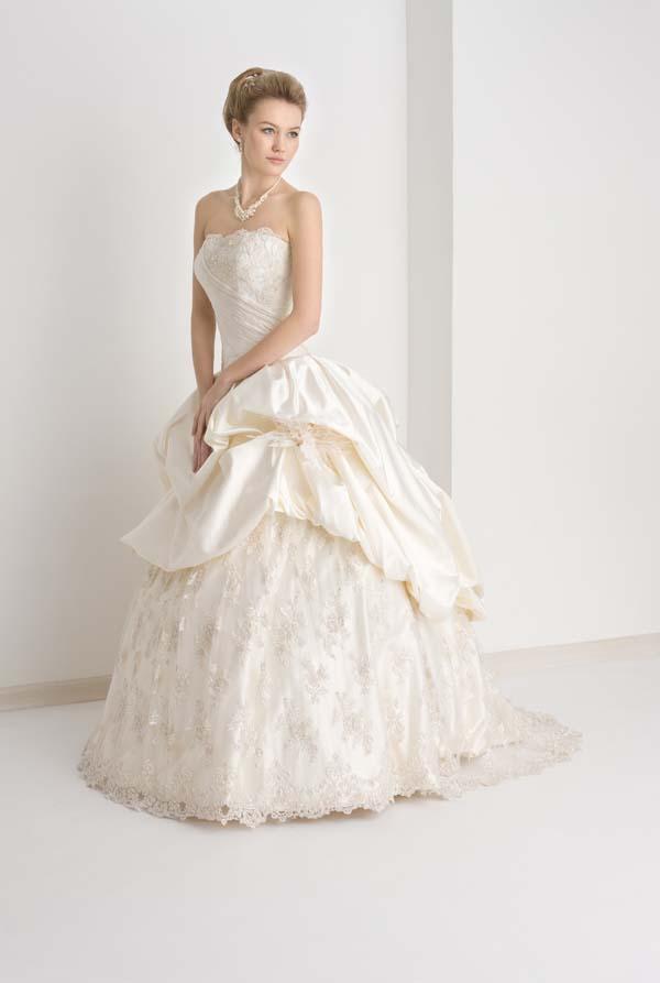 Самые красивые в мире подвенечные платья (ФОТО)