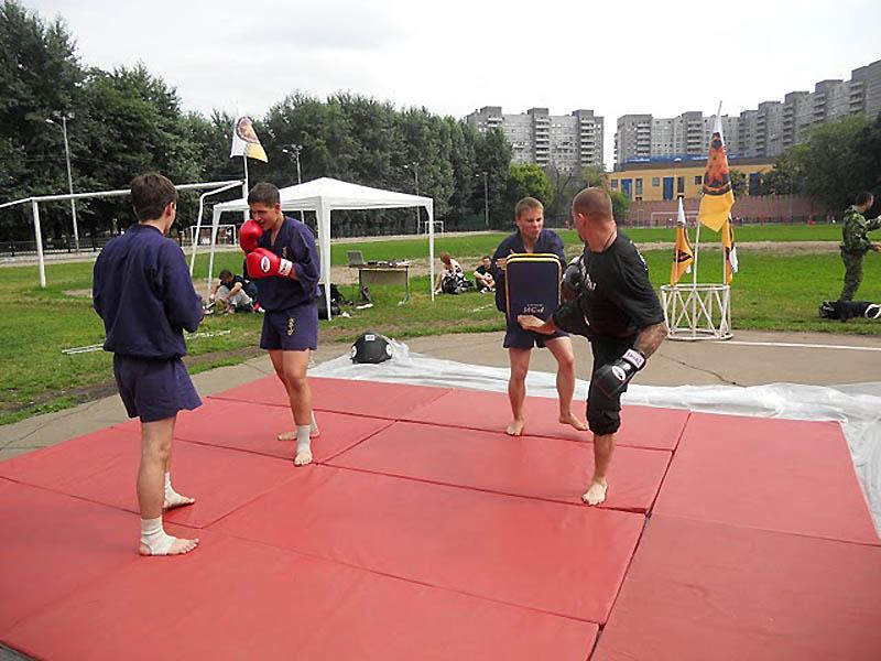 День молодежи в Москве или как ЦПЭ с медом и спортом боролось