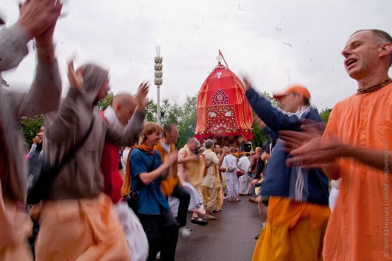 Ратха-ятра — кришнаитский праздник Шествия Колесниц на ВВЦ