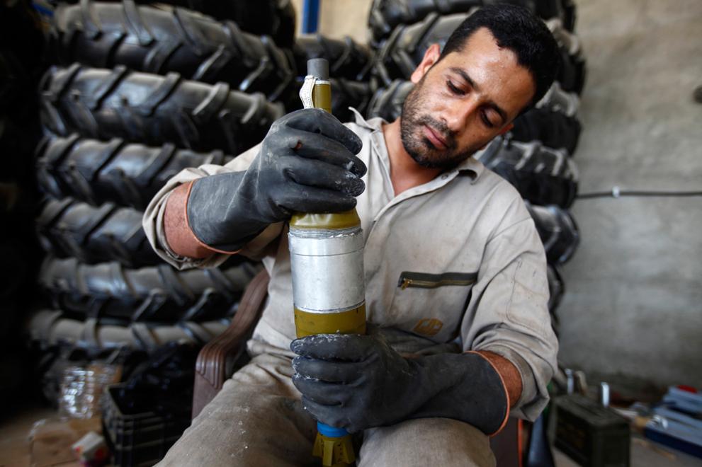 Libya senjata pemberontak DIY