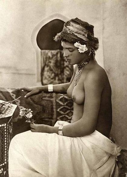 24 popup rendah erotika Arab awal abad 20