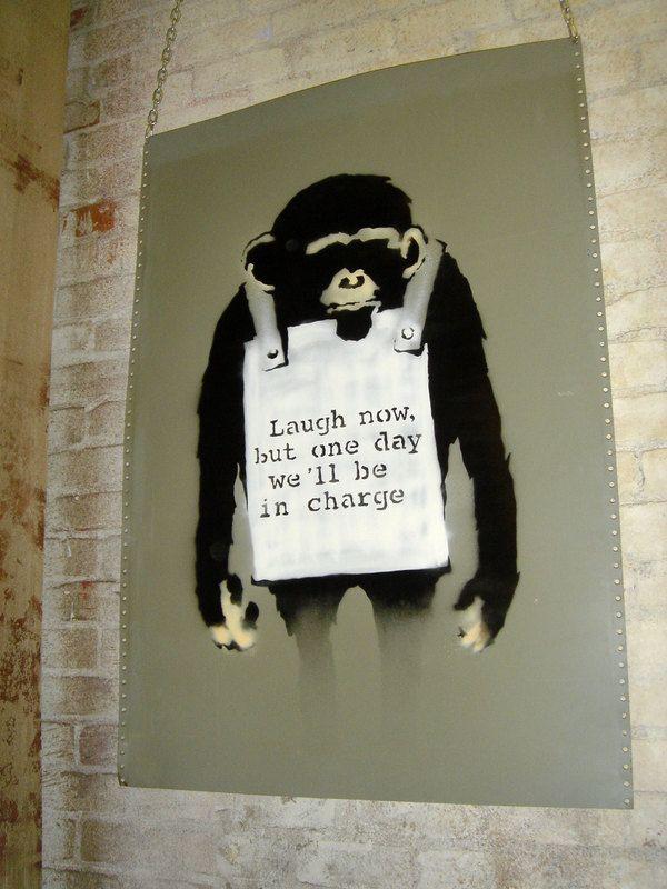 Таинственное и скандальное граффити-искусство Бэнкси