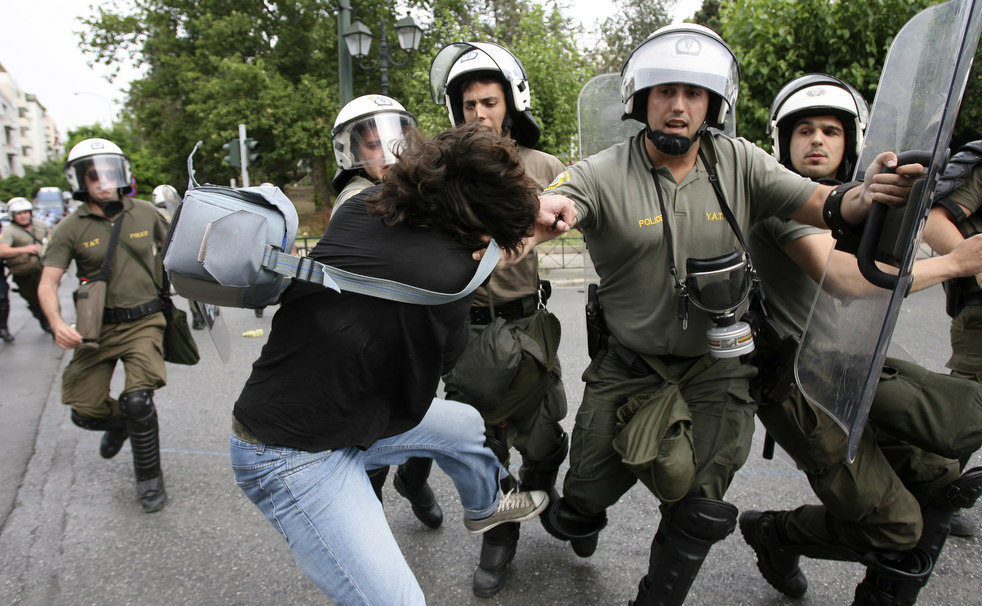 3434 Греческие демонстрации