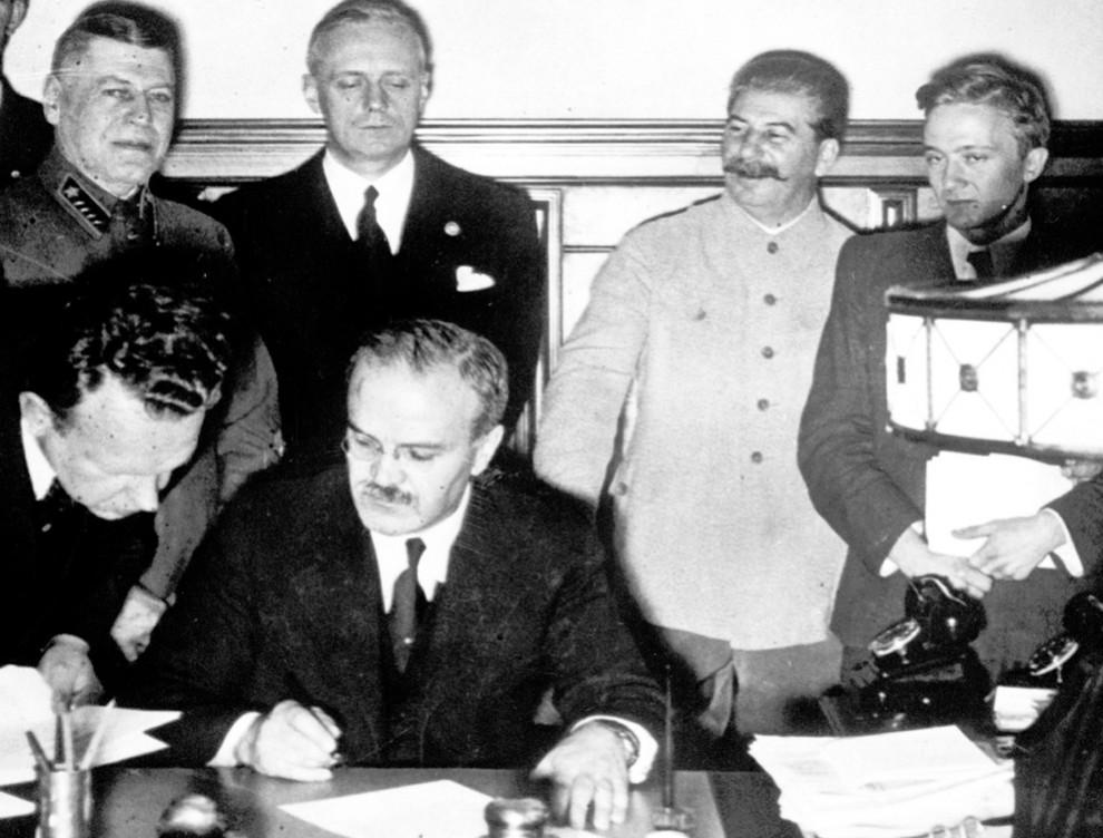 4262 990x752 Вторая мировая война: Захват Польши и Зимняя Война (Часть 2)