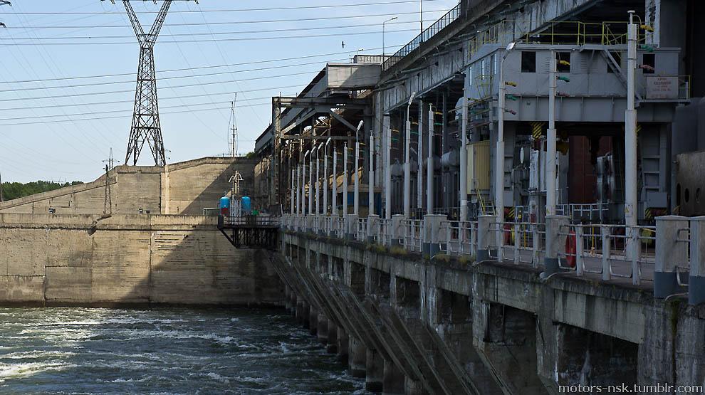 Новосибирская ГЭС.