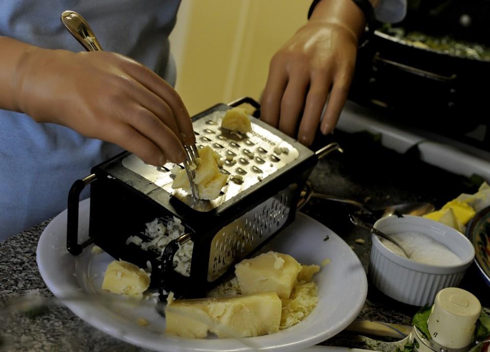 Повар, который может готовить без рук