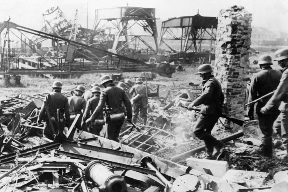 6197 990x662 Вторая мировая война: Захват Польши и Зимняя Война (Часть 2)