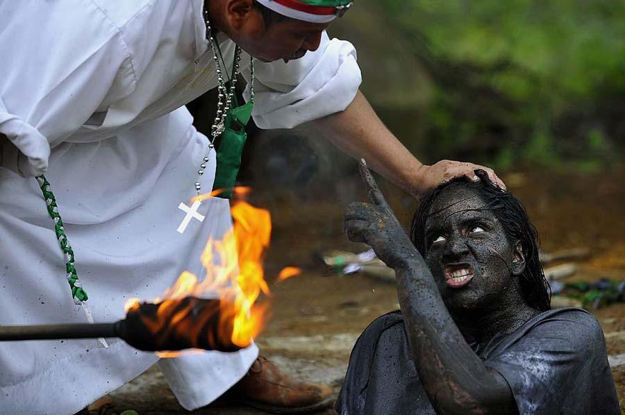la 0602 pin05 Обряд изгнания духов в Колумбии