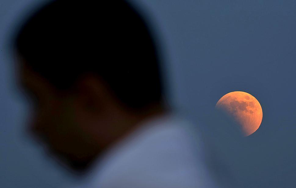 gerhana bulan Total 06 lmunncnc pertama gerhana bulan 2011