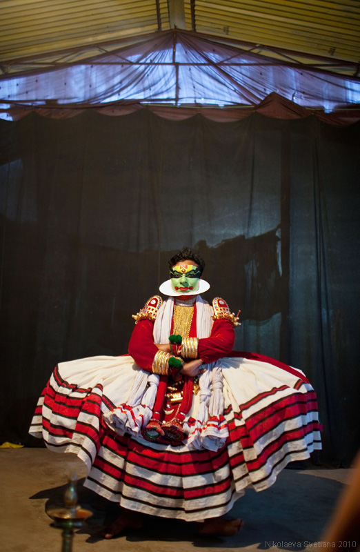 1662 India Selatan Kathakali Teater: The Art of menerapkan makeup