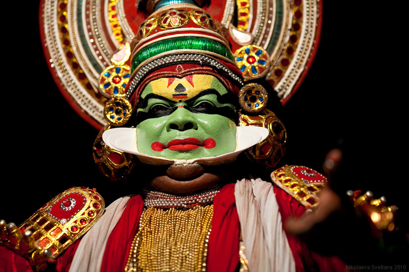 1763 India Selatan Kathakali Teater: The Art of menerapkan makeup