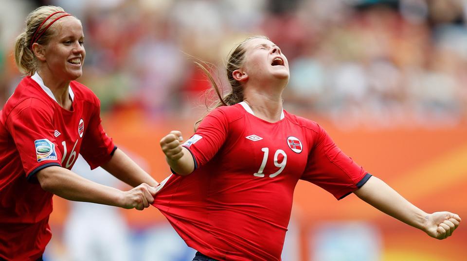 Голая женская сборная норвегии по футболу