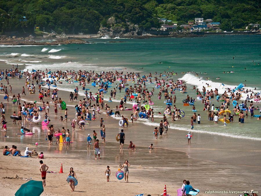 2385 Япония: Особенности японского пляжного отдыха