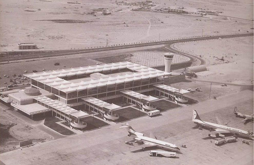 Аэропорт в пустыне