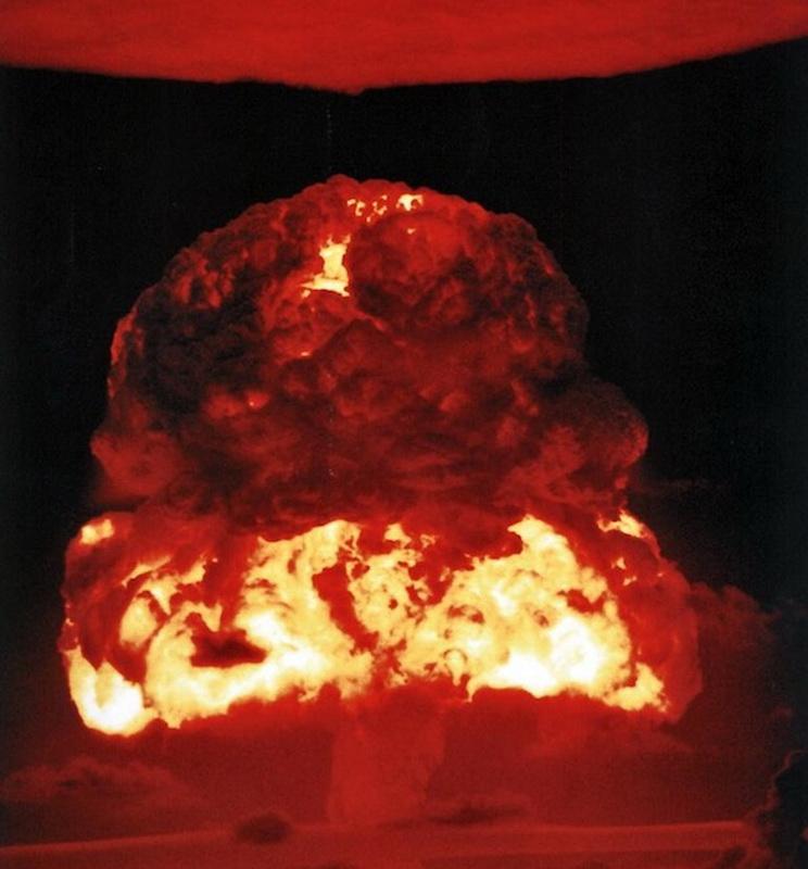 Foto ledakan nuklir