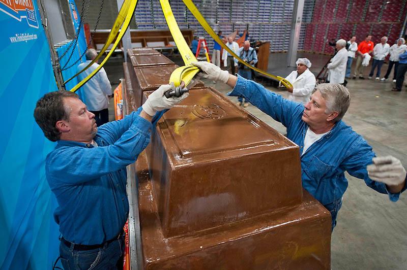 Самая большая в мире шоколадка
