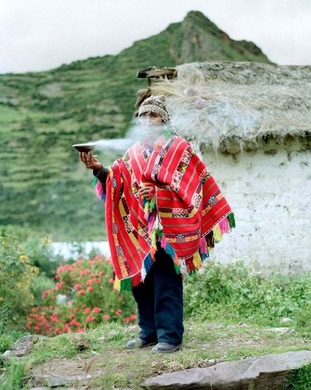 shaman02 637x800 Sakramen penyembuhan: Praktek perdukunan