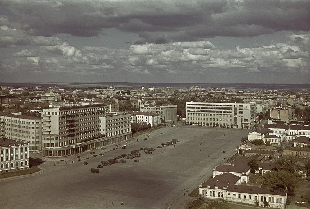 10000000 Харьков времен немецкой оккупации в цвете