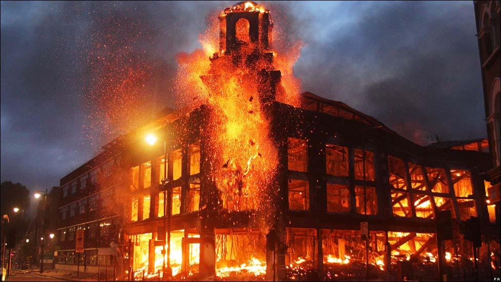 图说灾害现场:伦敦骚乱 - 银河 - 银河@生存主义唱诗班