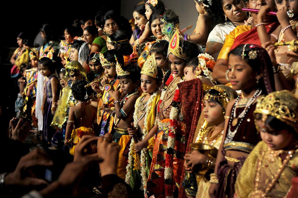 12120 Индийский фестиваль Кришна джанмаштами