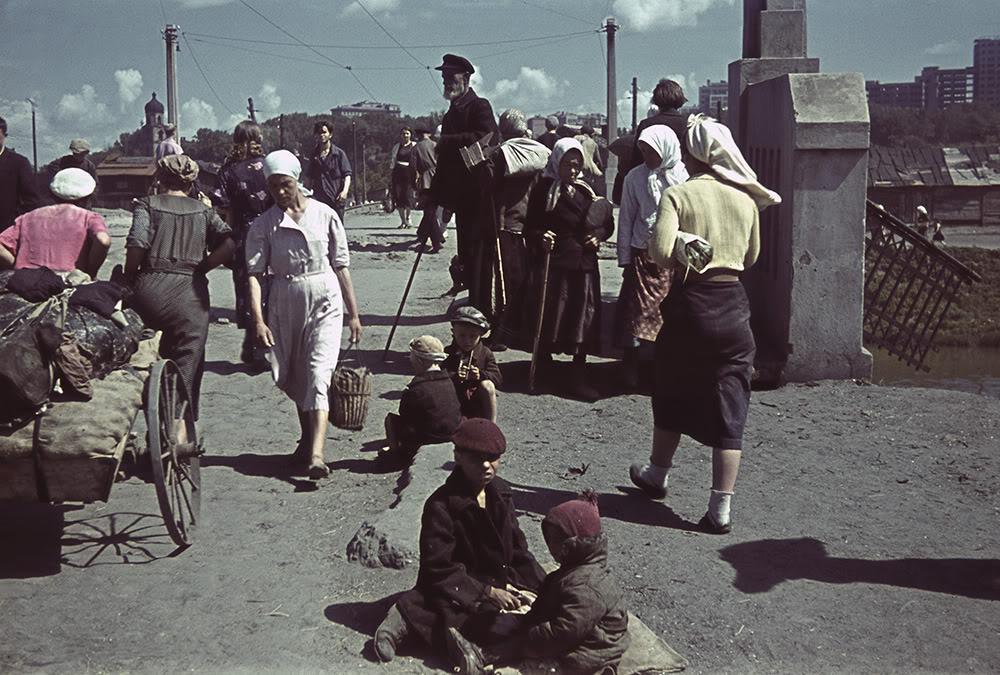 15000000 Харьков времен немецкой оккупации в цвете
