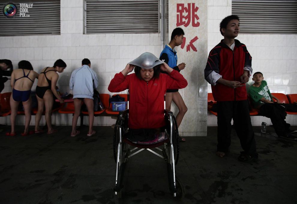 Тренировки пловцов китайской параолимпийской сборной.